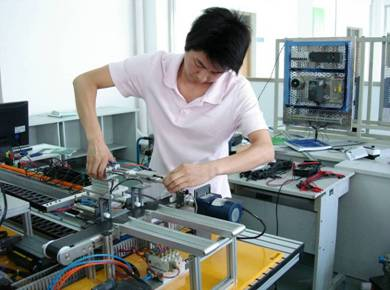 自动化设备安装,自动化系统调试等岗位,次要就业岗位是自动化系统维修